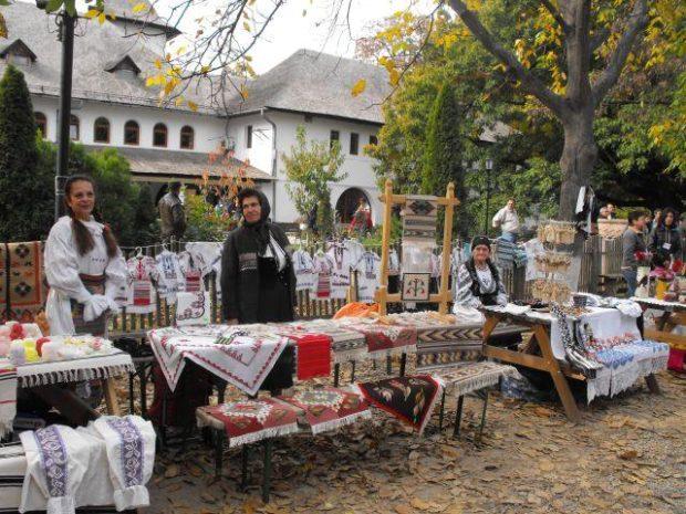 Târg de Sfântul Dumitru organizat de Muzeul Satului